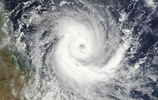 Cyklon Larry.