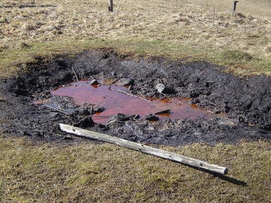 Naturalny wypływ ropy.