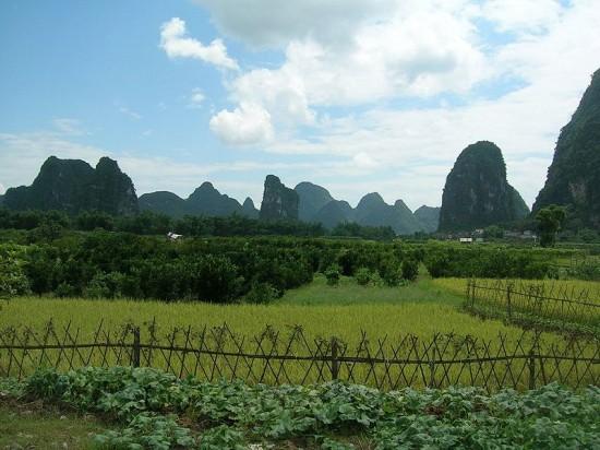 Mogoty z okolic Guilin (Chiny).