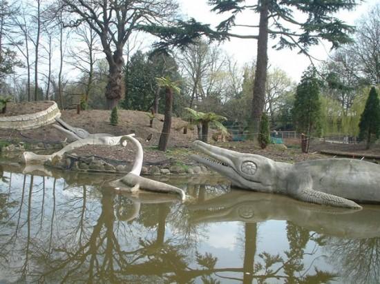 Dinozaury z Crystal Palace Park w Londynie.