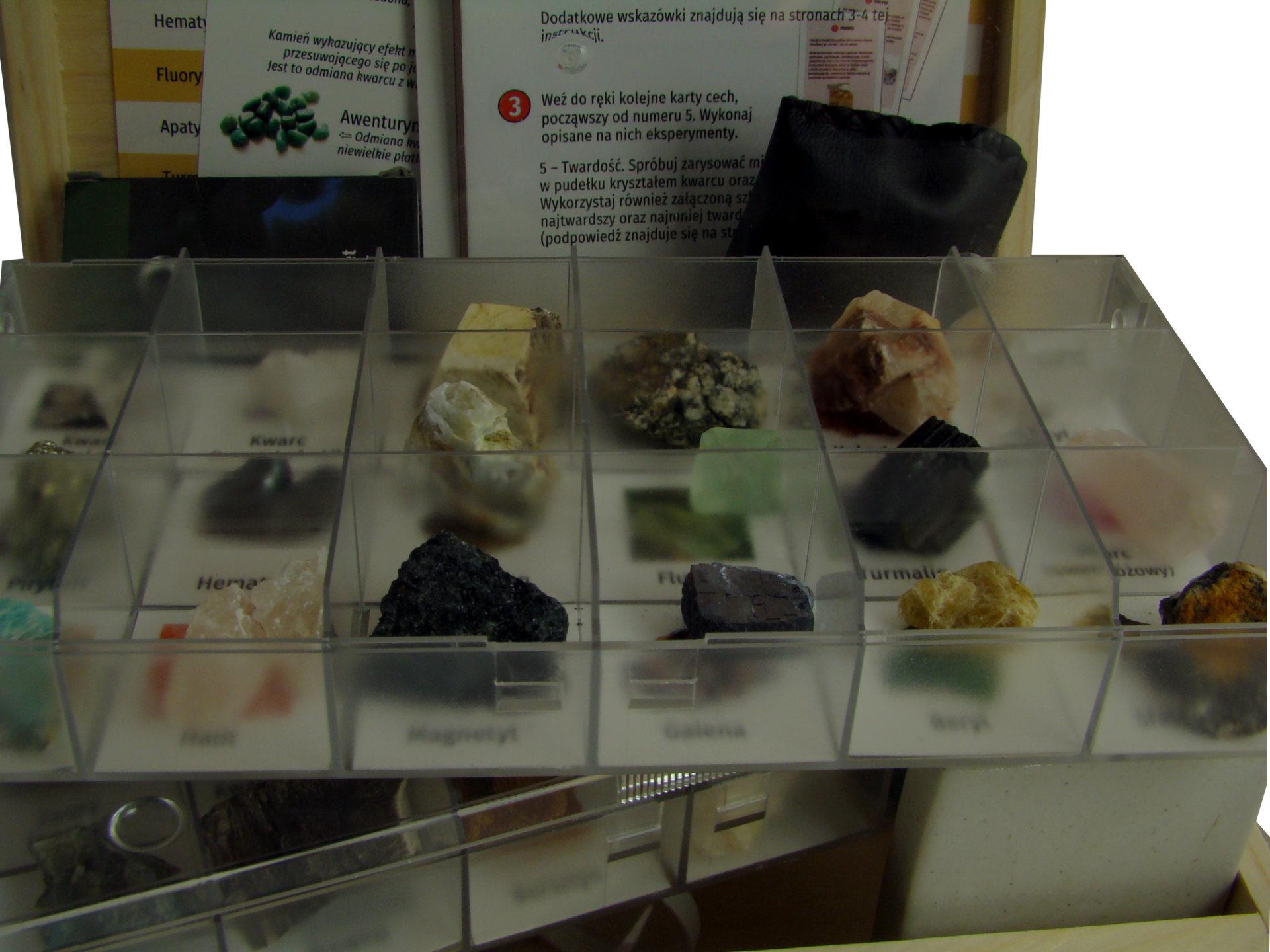 Minerały, kryształy i kamienie ozdobne. Zestaw zaawansowany.