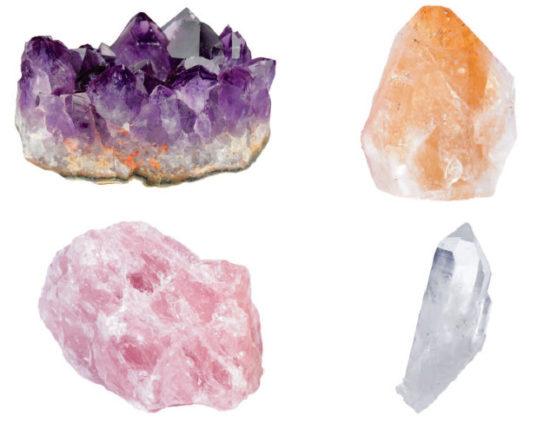 Odmiany minerału kwarcu o różnym zabarwieniu: ametyst, cytryn, kwarc różowy i kryształ górski.