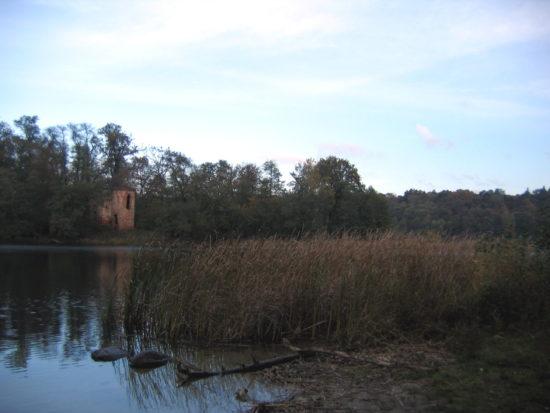 Kem - Wyspa Zamkowa w Wielkopolskim Parku Narodowym.
